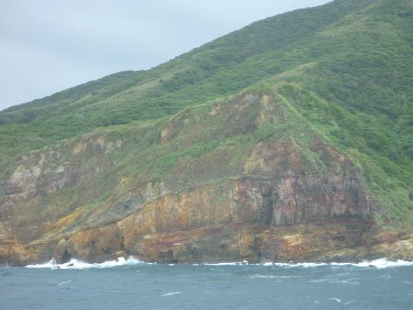 亀山島の地層の様子