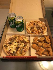 台湾のピザハットのピザセット