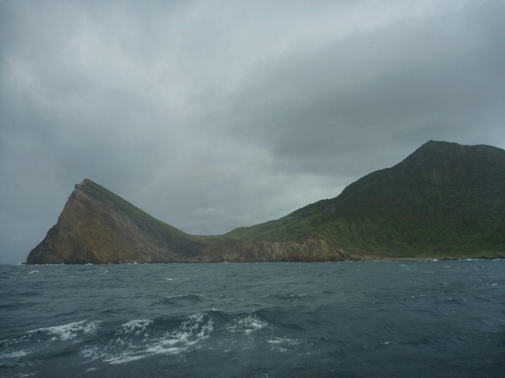 亀山島の、亀の頭の部分