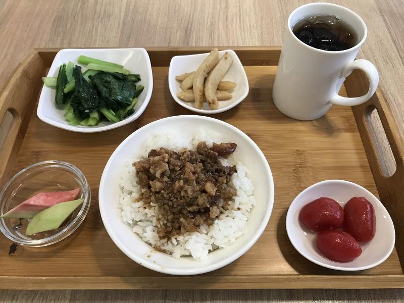 Patch Cafe(補丁咖啡)の滷肉飯套餐