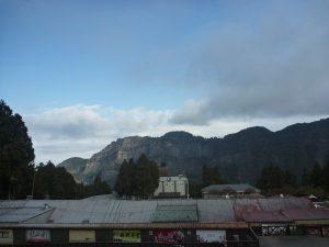 阿里山駅の改札を出たところの景色